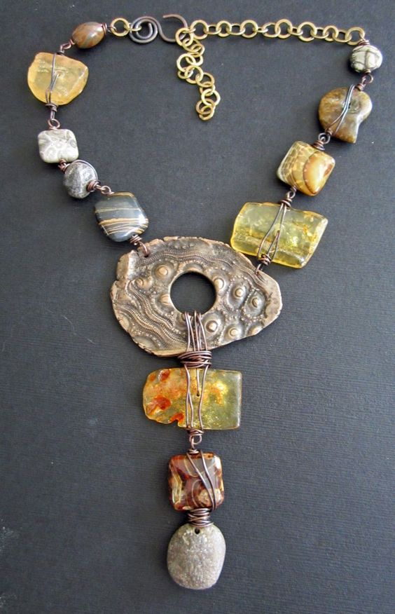 Last Show of the Year by Staci Louise Smith found on Love my Art Jewelry blog - can be done with polymer clay