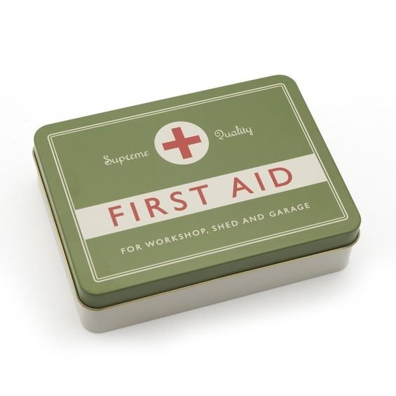 Retro First Aid Kit : All
