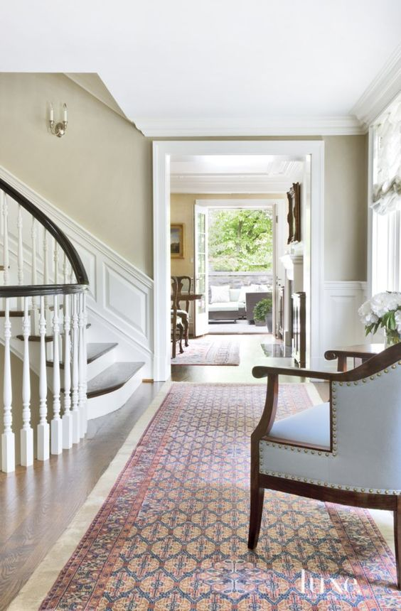 Traditional Cream Second Floor Landing:
