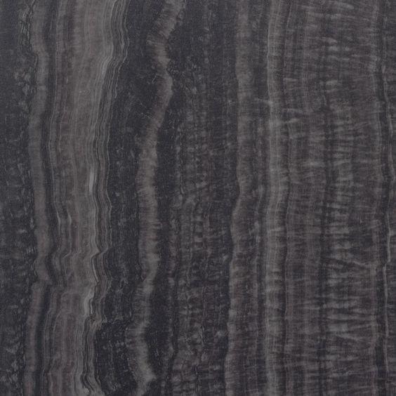 Diese Klick Vinyl Fliese Stone Trapani mit einem Format von 605 x 304,8 mm und einer sehr geringen Aufbauhöhe von 5 mm eignet sich hervorragend für Räume, die durch Feuchtigkeit und Wasser strapaziert werden.