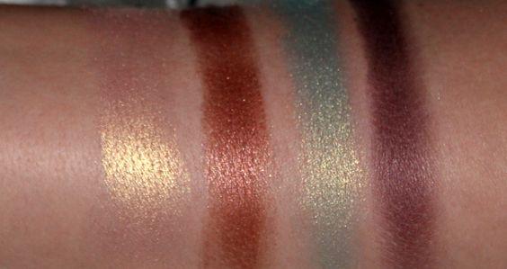 Palette met 32 oogschaduwen - #91577 Neutral http://eyeslipsface.nl/product-beauty/palette-met-32-oogschaduwen
