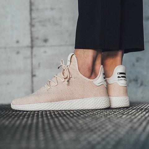 adidas pharrell williams chalk white