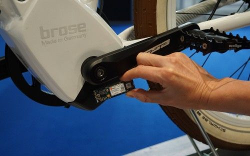 Bulls, Brose, Telekom - Kooperation: So sieht das GPS Modul aus, das nahe beim Brose-Motor sitzt