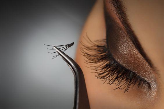 How to Apply Eyelash. #make #maquiagem #sombra #olhos #delineador #cílios #eyeliner #eyelash