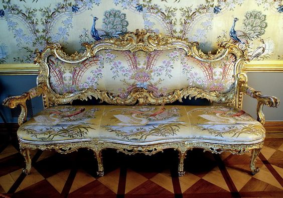 Silk   upholstery handmade gilt settee Russian  1750 after a drawing by FB Rastrelli, designed  specifically for the halls of the Great Palace, Tsarskoye Selo, XVIII century.
