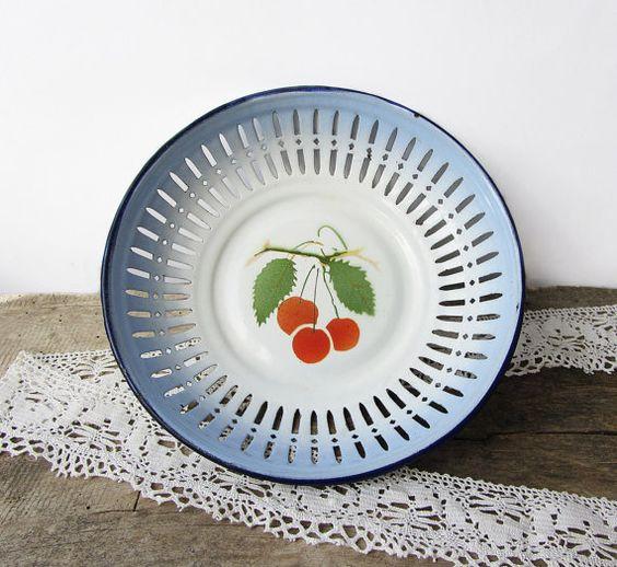 Vintage Enamel Metal PlateVintage Fruit By ANTIQUEcountry