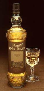 Moscatell,es muy tipico en cataluña, es un licor dulce para tomar en los postres.
