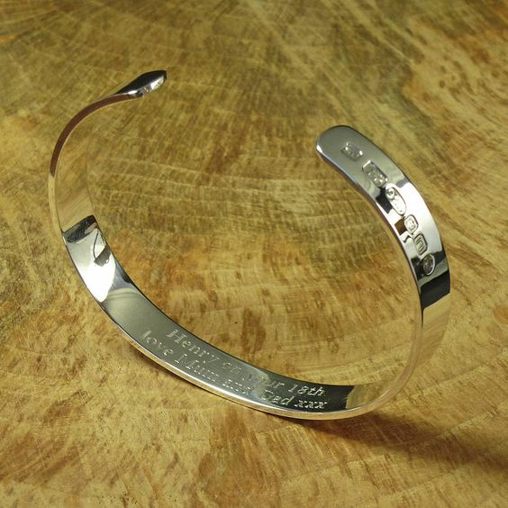 Personalised Men's Solid Silver Bracelet. This silver bracelet for men, is a real classic, weighing in at 27grams of pure hallmarked sterling silver.