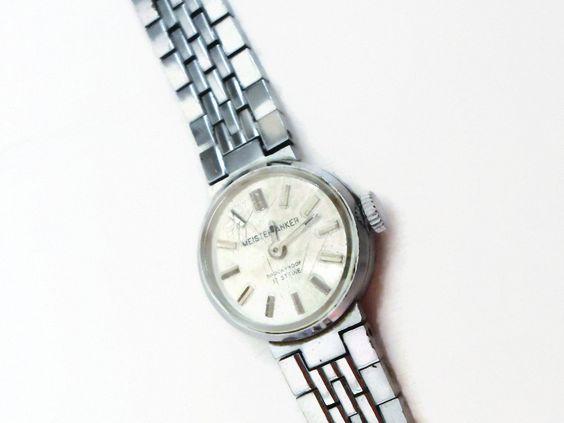 Armbanduhr+PUR+70er+Vintage+Uhr+modern+schlicht+von+Mont+Klamott+-+seltene+Vintage+Einzelstücke:+Liebzuhabendes,+Verspieltes,+Tickendes,+Klunkerndes,+Zauberhaftes,+Antikes,+Kurioses,+Schmuck+&+Uhren++auf+DaWanda.com