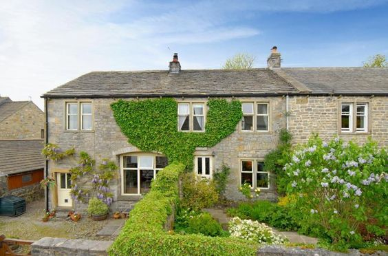 Cute Cottage - Manor Barn, Calton, Skipton, BD23