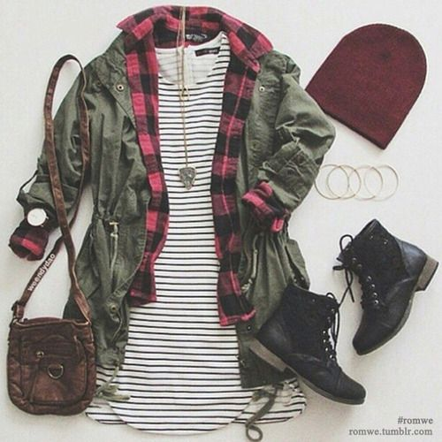 I probably wouldn't wear the hat but this outfit is totally adorable!!