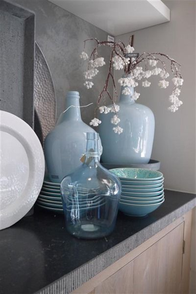 Interieur | Een blauw interieur - fris, modern of toch chique • Stijlvol Styling - WoonblogStijlvol Styling – Woonblog