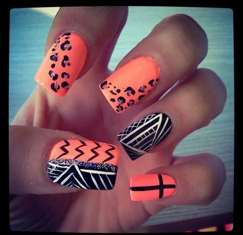 Cute coral nails with a mixed design on nails♥
