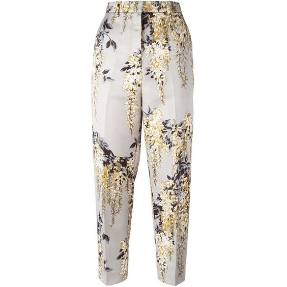Rochas Floral Print Cropped Trousers (€710) ❤ liked on Polyvore featuring pants, capris, bottoms, rochas, trousers, cropped trousers, white crop pants, floral trousers, floral silk pants and white trousers