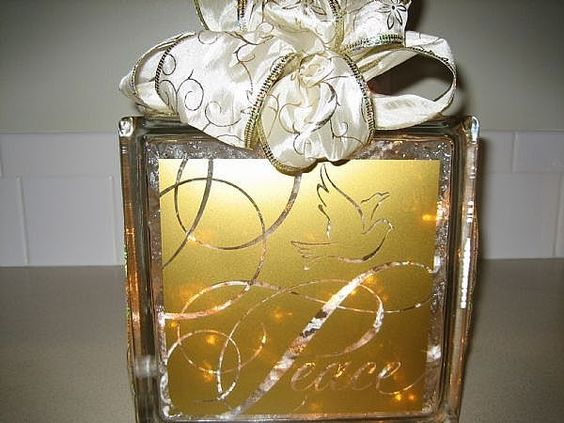 Glass blocks christmas decorations and lettering on pinterest - Glass block decoration ideas ...