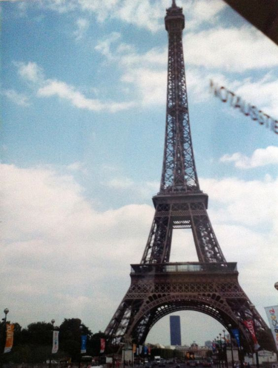 The Top 11 Moods of an American High Schooler in Europe (circa 2003). A photo summary of my travels through France, Switzerland, Austria and Italy!