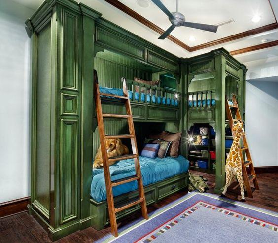 hochbett im kinderzimmer mit platz für drei personen | kinder ... - Kinderzimmermobel Ideen Hochbetten