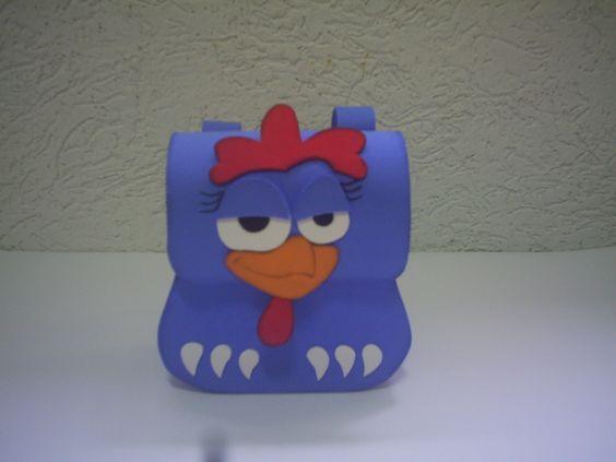 Muchilinha em eva galinha pintadinha, faço qualquer tema. <br>tamanho 14cm de altura x 14 cm comprimento x 6 cm de largura.