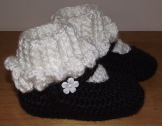 Free Crochet Pattern For Mary Jane Baby Slippers : Pinterest The world s catalog of ideas