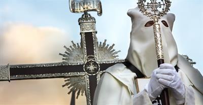 Zu #Ostern ist ganz #Málaga auf den Beinen. Die Semana Santa (Karwoche) wird in der andalusischen Stadt mit ergreifenden Prozessionen gefeiert.