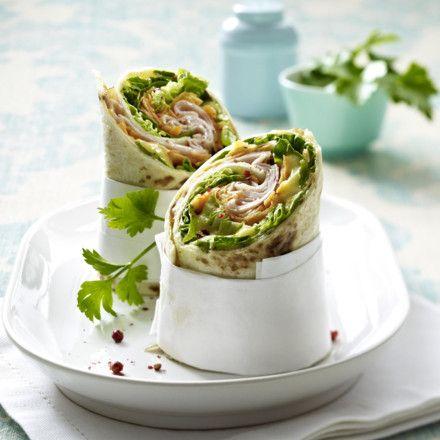 Wraps mit Hähnchen-Aufschnitt, Möhren, Römersalat und Caesardressing Rezept