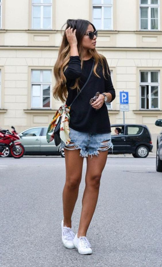 look short jeans destroyed                                                                                                                                                                                 Mais: