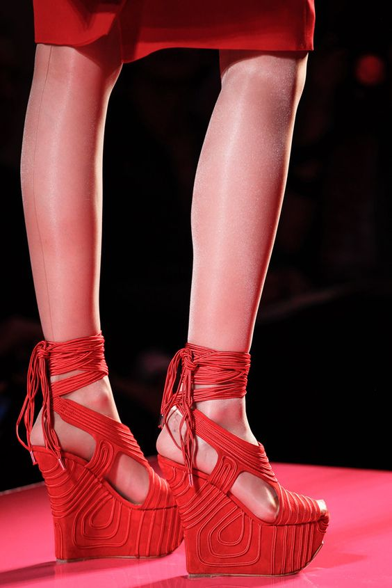 Jean Paul Gaultier Spring 2012 Couture Fashion Show Details