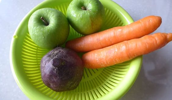 Mixing an Apple, a Carrot and Beets Can Make You so Much Healthier and Fresher!