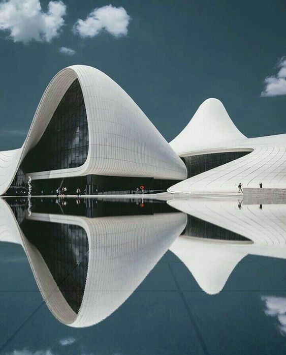 Heydar Aliyev Centre in Baku. Zaha Hadid Architects.