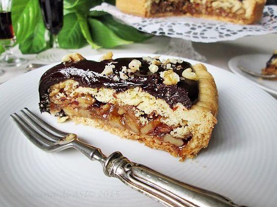 La torta Bonissima è una specialità della città di Modena golosa e ricca di gusto con noci e cioccolato fondente Ricetta dolce Modena La cucina di ASI