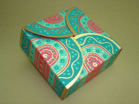 Magenta-Turquoise Small Square Box  (35)