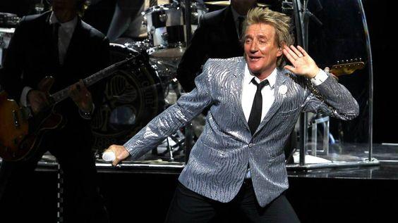 Rod Stewart ofrece un notable y contundente espectáculo en el Teatro Real