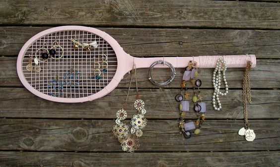 Vintage Wooden Tennis Racket - Make it a Jewelry Organizer for your Tennis Star! - Old vintage tennis rackets are awesome and are wonderful for projects like th…