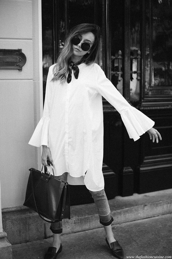 Taking a little detour from my usual jeans and leather jacket combo, to these super chic bell sleeves. Frayed jeans with bell sleeve white blouse and necktie - spring style