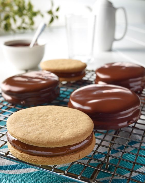 ALFAJORES CON CHOCOLATE