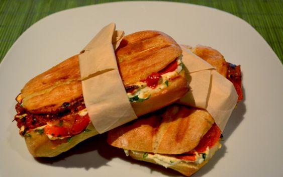Recette Panini pesto, jambon, tomates séchées & 2 fromages économique et simple > Cuisine Étudiant
