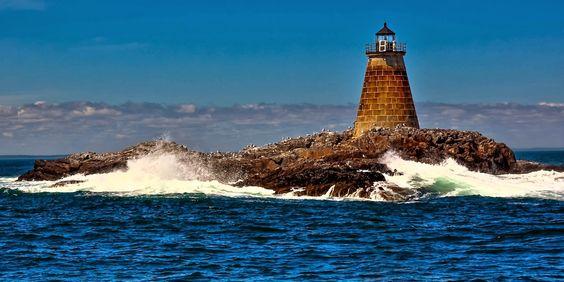 Maine Lighthouses and Beyond: Saddleback Ledge Lighthouse. To enjoy my site on lighthouses, click on the above photo.