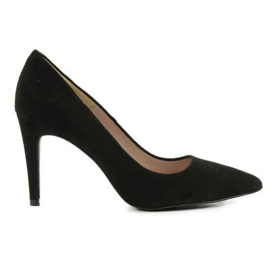 Pointy suede pumps