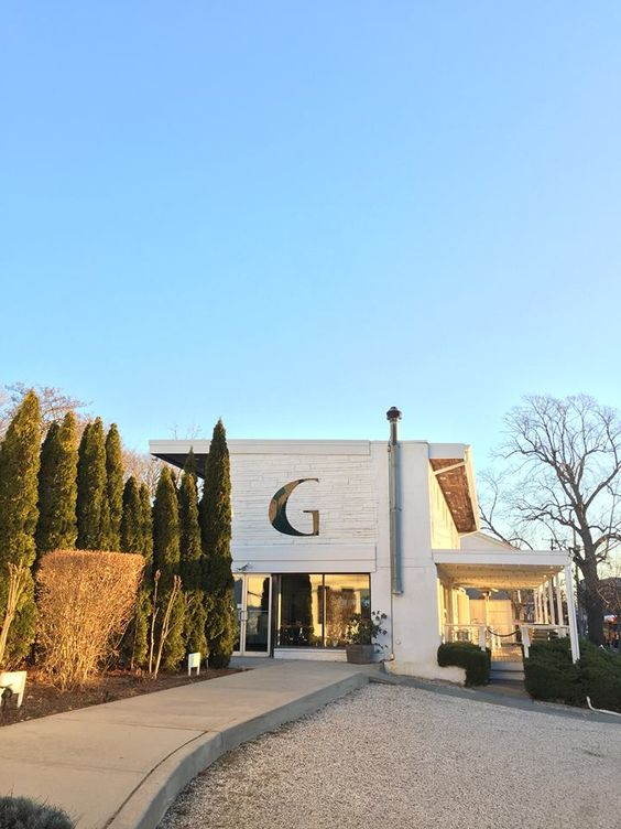 just an average day at the Greenporter Hotel.....how could you not love the North Fork! #sky #greenport #greenportny #northfork #greenporterhotel #hotel #travel #winecountry