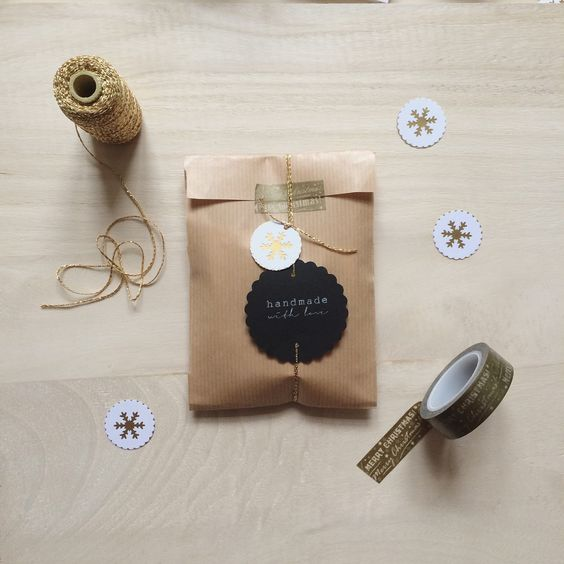 christmas wrapping for my wooden necklaces :: I can add a personal note on a little card on request