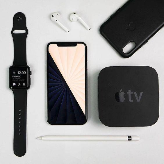 Apple Ad Shopping Samsung Technology Android Design Iphone Vs Samsung Ios Samsung Galaxy C Apple Iphone Accessories Apple Watch Iphone Iphone Gadgets