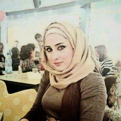 مريم 23 سنة من القاهرة