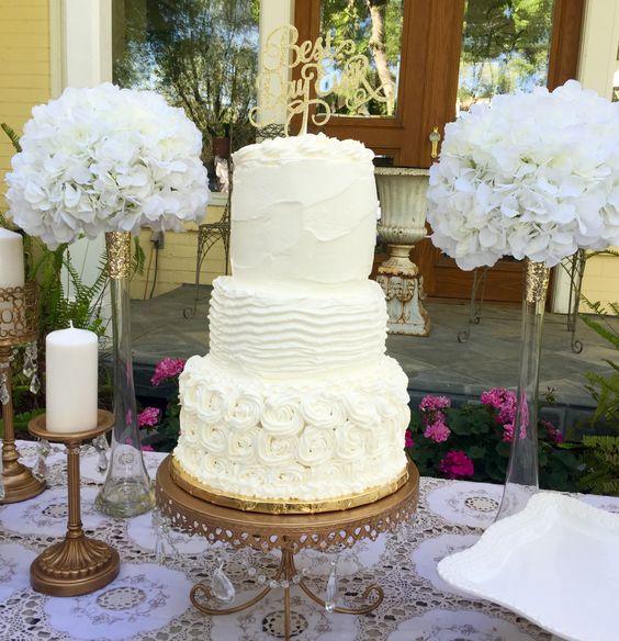 Romantic rustic wedding cake.