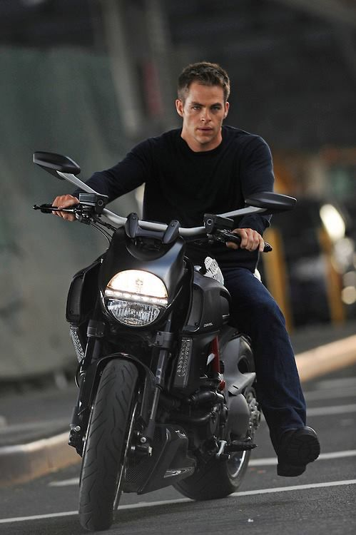 Chris Pine as Jack Ryan, directed by Kenneth Branagh - Yes, please!