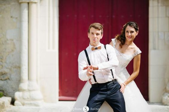 Photo de mariage originale à la James Bond by Stéphane Auvray.  Funny wedding picture like James Bond #wedding #mariage
