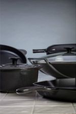 Le Creuset Outlet Le Creuset And The Midnight On Pinterest