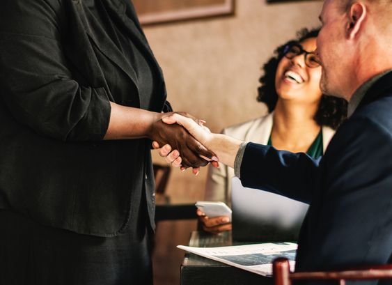 Networking do's and don'ts for aspiring lawyers