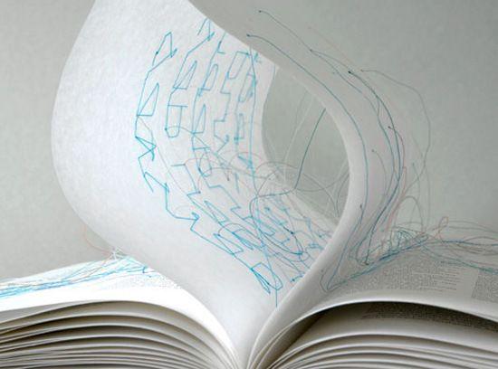 用線連結的創意書刊設計