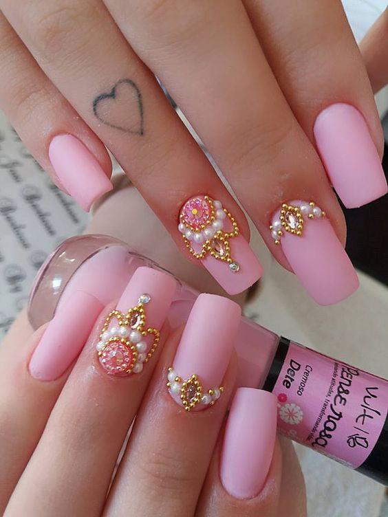 29 Ideias de Unhas cor de rosa decoradas comm joias