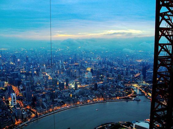 Crane operator atop the world�s 2nd tallest building takes absolutely stunning aerial shots of Shanghai [15 pics]